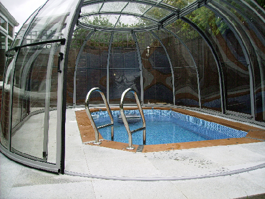 enclosed pool package